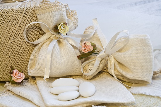 Confetti, storia dei dolci simbolo del matrimonio