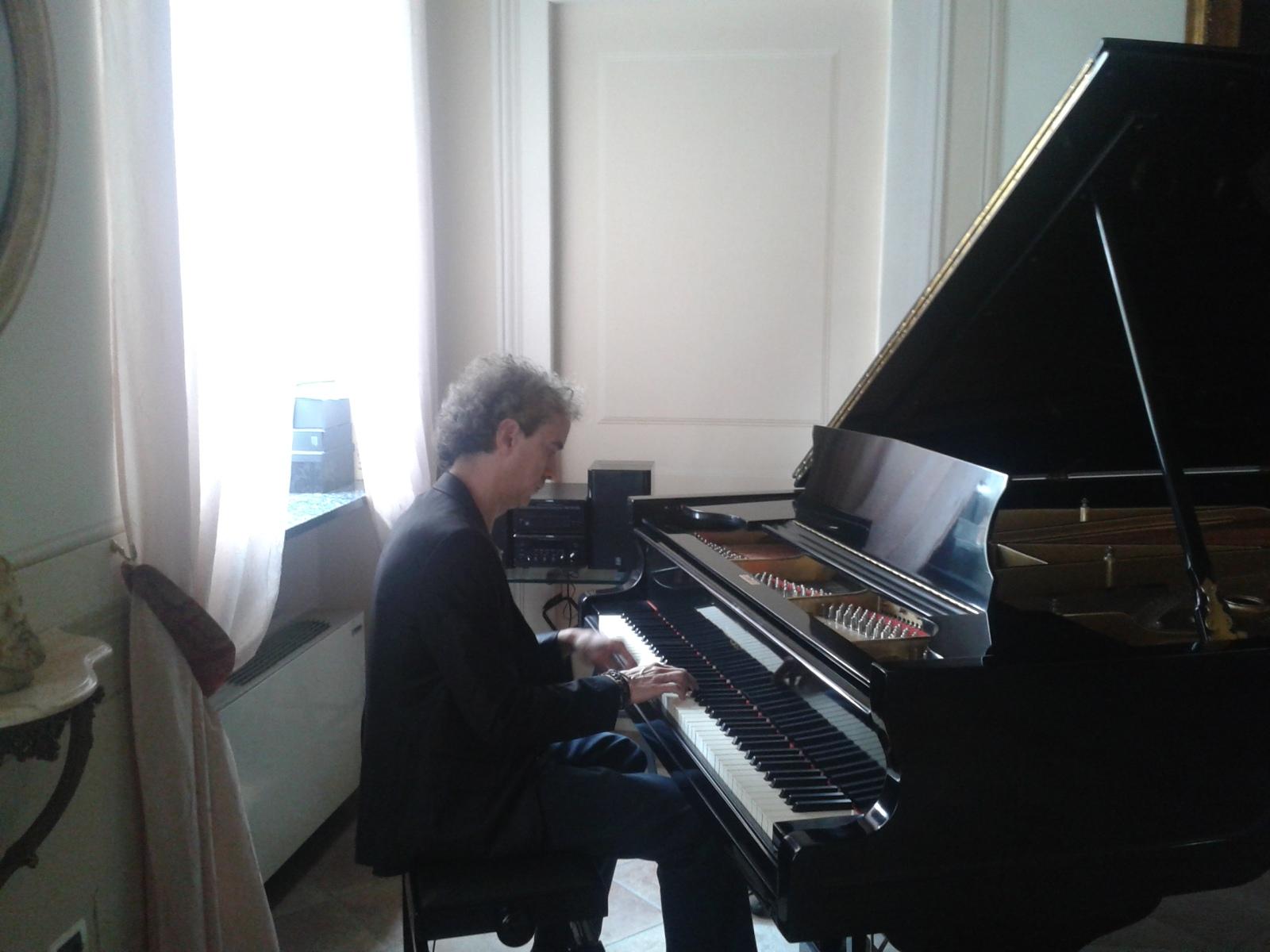 MARCO AL PIANO